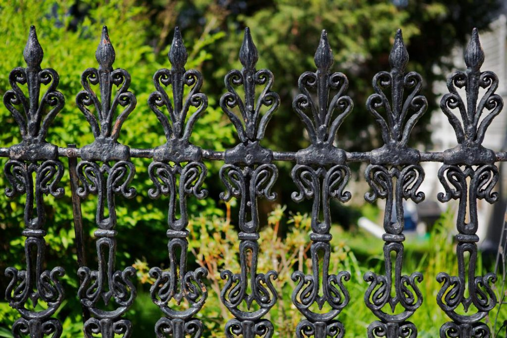 cypress-fence-pros-iron-and-aluminum-1_orig